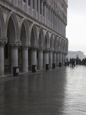 Palazzo Ducale, Colonnade